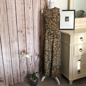 Jones Wear Sleeveless Maxi Dress